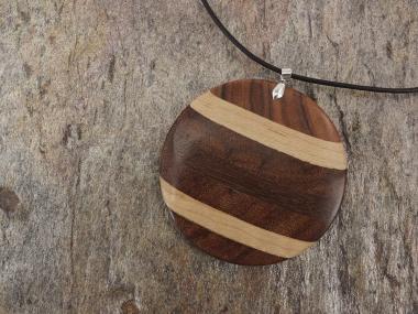 Holzanhänger aus Edelholz